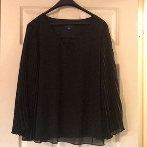 Black Apt 9 blouse